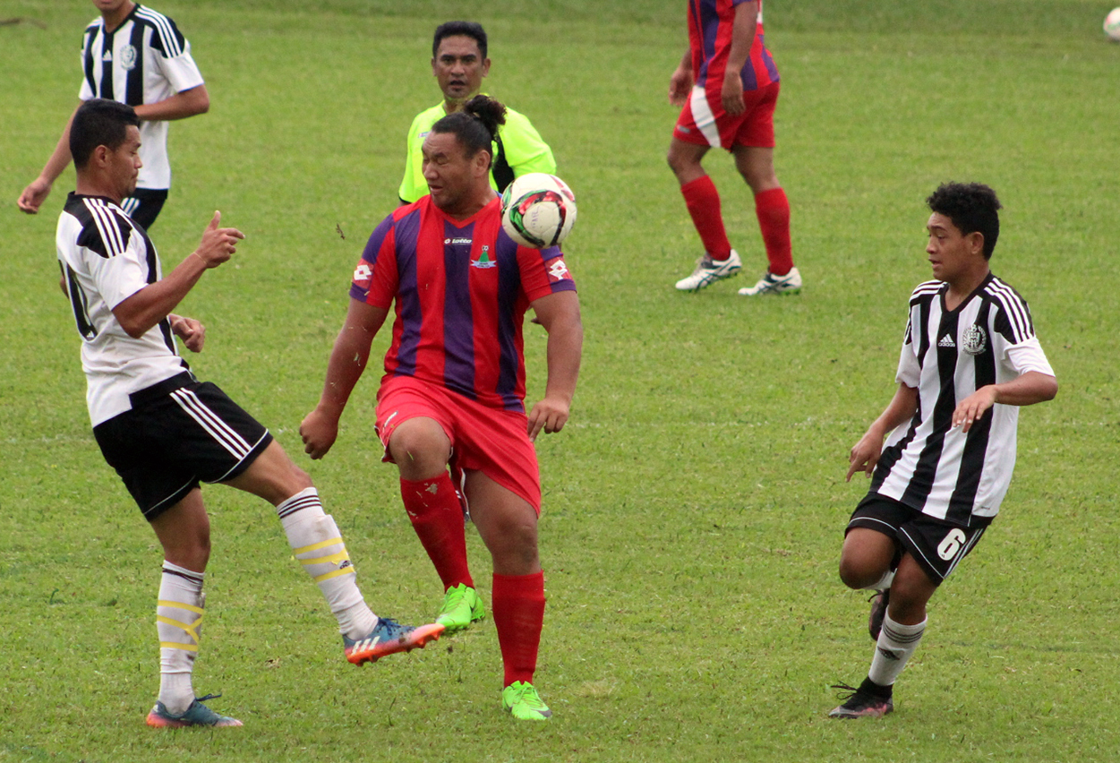 Tupapa Maraerenga roll past Takuvaine to remain perfect